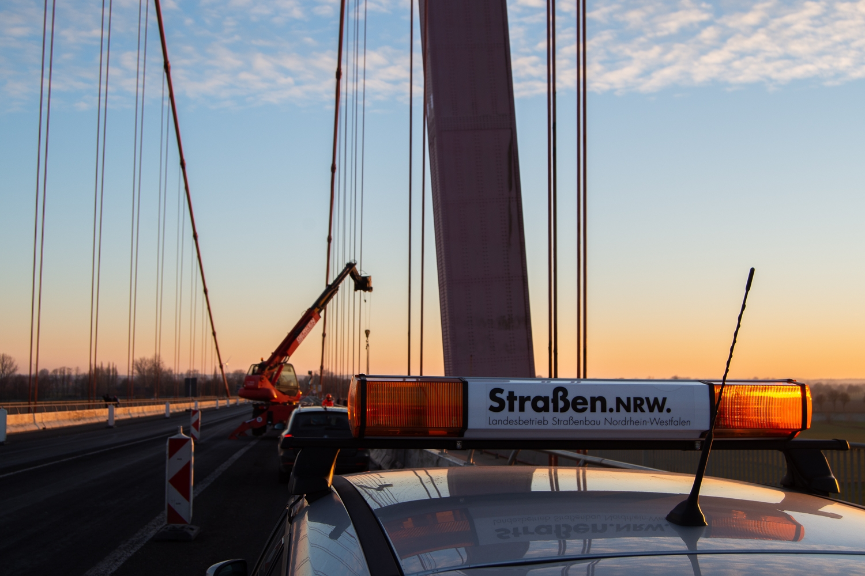 Impressionen der Arbeiten während der Vollsperrung der Rheinbrücke Emmerich. Sonntag 20.01.2019, in Emmerich. Foto: Christian Creon